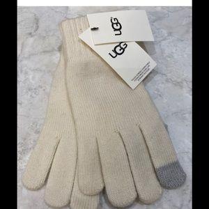 UGG WomenTech Knit GlovesIvory Heather Touchscreen